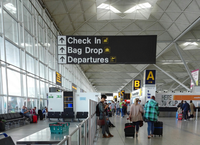 Holiday time! Airport transfers from High Wycombe with